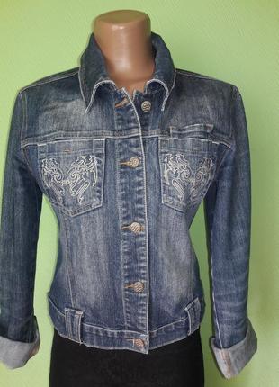 Актуальная джинсовая курточка джинсовка