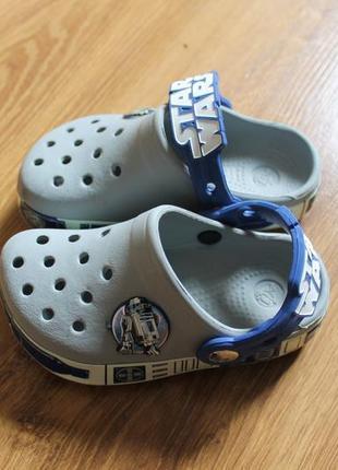 Неописуймо крутые уникальные детские сандали crocs star wars