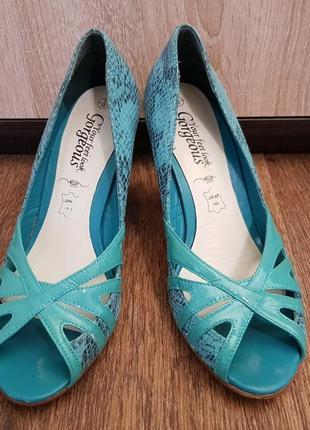 Кожаные туфли на каблуке gorgeous, 38 р.