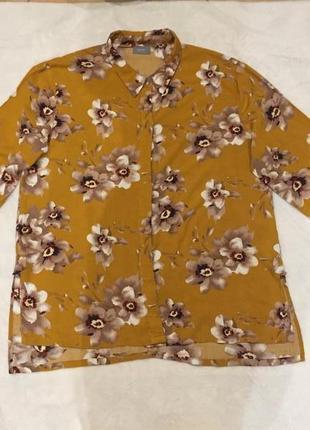 Блуза гірчичного кольору з квітками