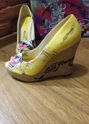 Шикарные туфли от известного бренда ed hardy