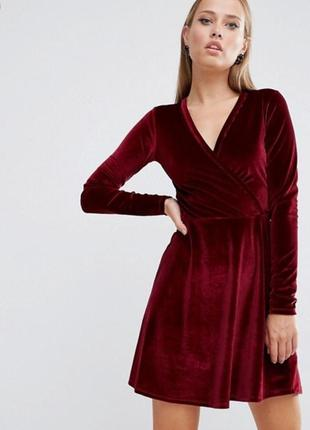 Красное, бордовое велюровое платье на запах