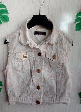 Крутая джинсовая жилетка жилет без рукавов светлая uk 10/европ 38 / м