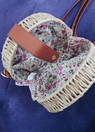 Трендовая круглая соломенна сумка в наличии3 фото