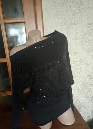 Нарядная блуза на одно плечо