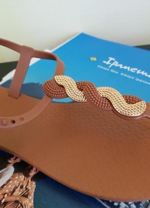 Іpanema 2019 premium серия босоножки з узором