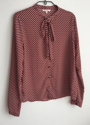 Красивая блуза с бантиком
