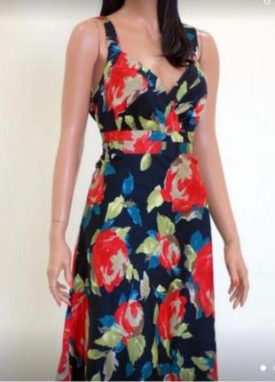 Стильно и современно - платье с цветочным принтом