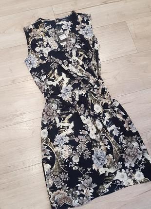 Цветочное миди платье на запах