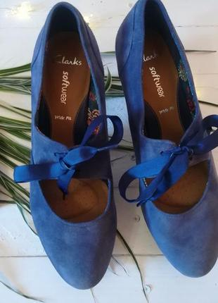 Замшевые туфельки от clarks