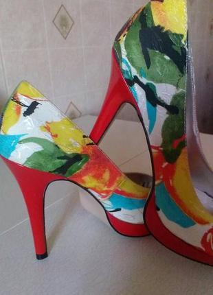 Туфли с открытым носком.размер39