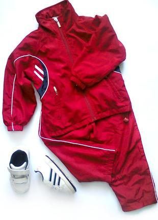 Спортивный костюм + кроссовки на 2-3 г.