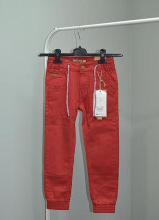 Трендовые брюки-джоггеры