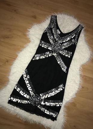 Вечернее нарядное платье вышитое камнями бисером и стразами