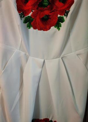 Платье, вышитое бисером