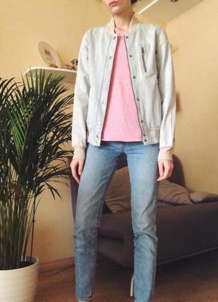 Джинсовый бомбер джинсовая  куртка