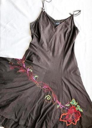 Батистовый коричневый сарафан с вышивкой  claudia strater