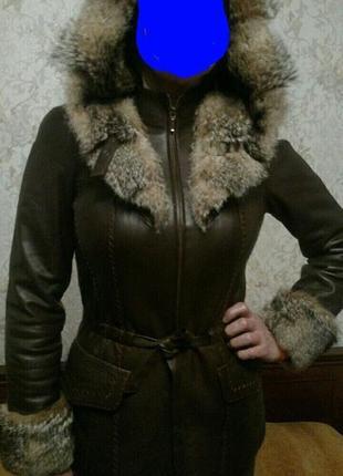 Куртка кожаная с мехом волка