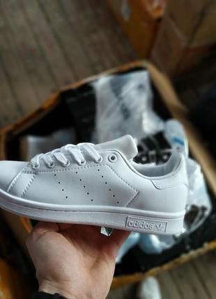 Шикарные женские кроссовки adidas stan smith triple white6 фото