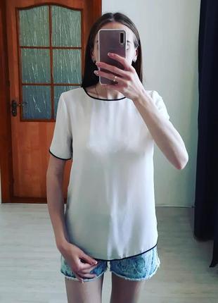 Молочна блуза