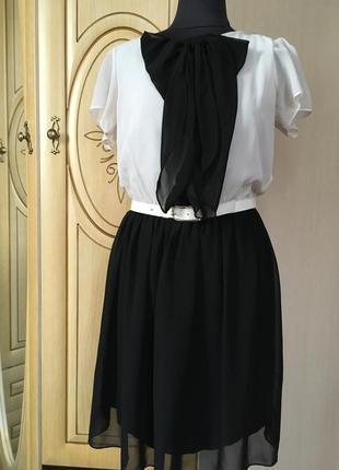 Симпатичное платье  м - 46