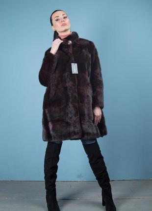 Норковая шуба пальто цельная поперечный крой цвет махагон италия