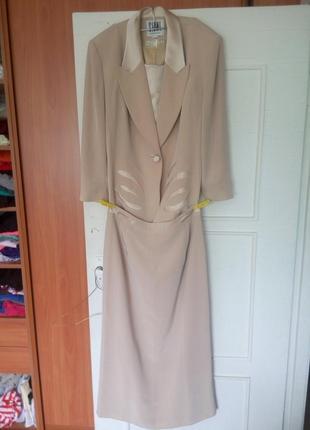 Деловой нарядный бежевый костюм пиджак и юбка, l размер