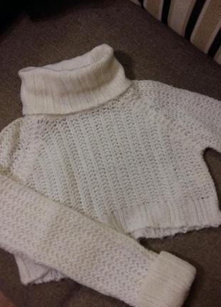 Белоснежный кроп свитерок