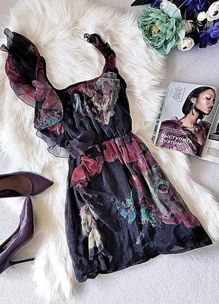 Очаровательное шифоновое платье в актуальный цветочный принт.