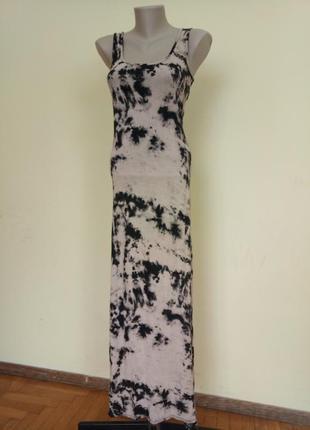 Стильное длинное платье майка