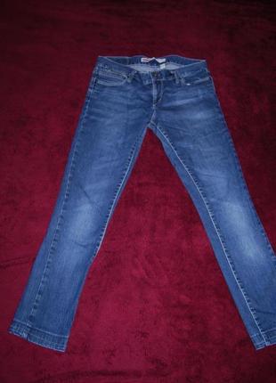 Классные фирменные узенькие джинсы
