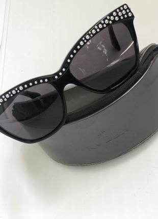Невероятно стильные в идеальном состоянии летние солнцезащитные очки люкс бренда a.mcqueen