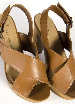 Коричневые босоножки на устойчивом каблуке, бежевые босоножки на каблуке3 фото