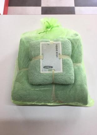 Комплект из двух полотенец. высшее качество микрофибры.