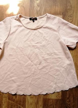 Свободная футболка персикового цвета