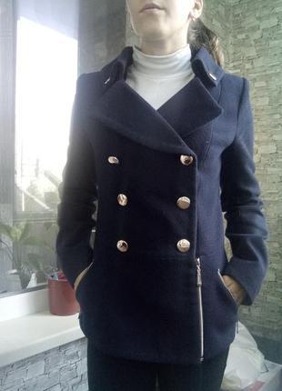 Теплое демисезонное осеннее весеннее пальто двубортное