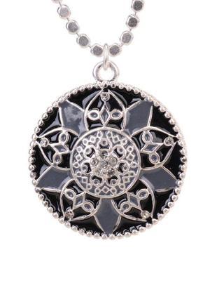 Красивый круглый кулон на цепочке с черной эмалью и кристаллами дания pilgrim