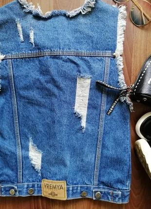 🌿 крутой джинсовый жилет с бахромой и прорезами, размер с/м5 фото