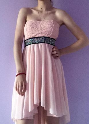 Милое нежно-розовое платье