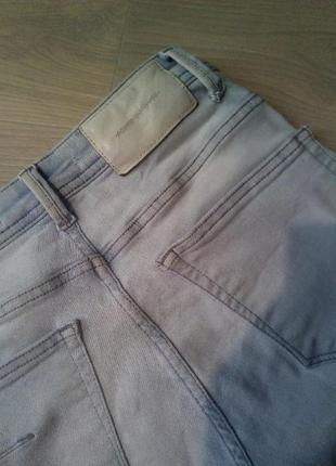 Брендовые рваные джинсы скини