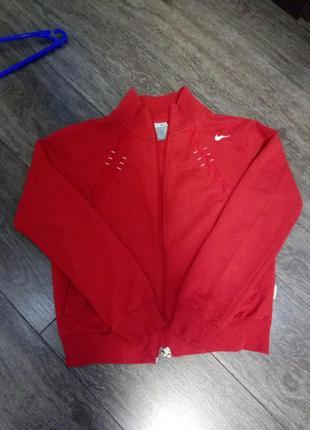 Спортивная красная  кофта  nike на замке