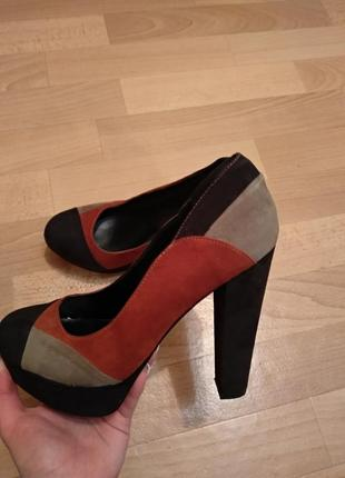 Суперские туфли на высоком каблуке