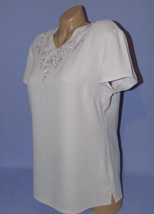Блузочка с вышивкой бледно-розового цвета2 фото