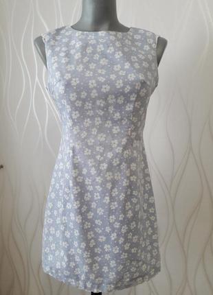 Невероятно красивое, практичное платье голубого цвета в белый цветочек.  zean