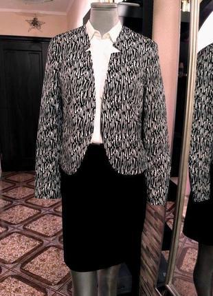 Распродажа!!!костюм шикарный...размер м4 фото