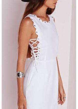 Невероятное платье с фигурной отделкой и шнуровкой по бокам missguided1 фото