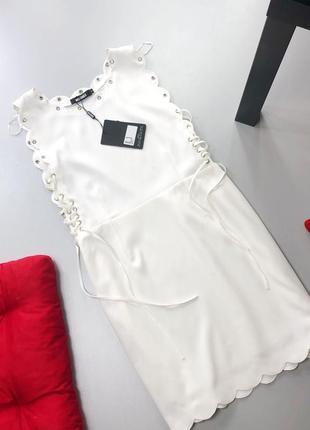 Невероятное платье с фигурной отделкой и шнуровкой по бокам missguided4 фото