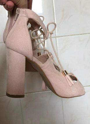 Бежевые босоножки туфли на шнуровке zara2 фото