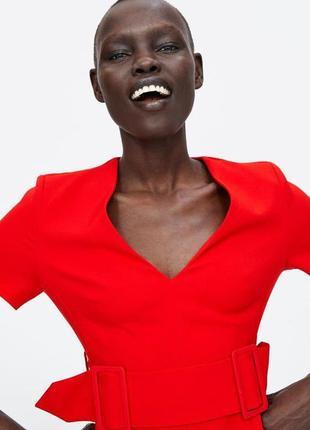 Красное платье с поясом с v вырезом zara8 фото