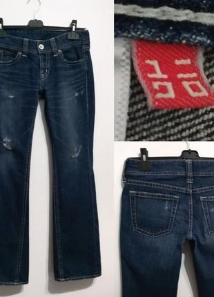 Современная модель, синие джинсы клеш от uniqlo, 29 р-р5 фото